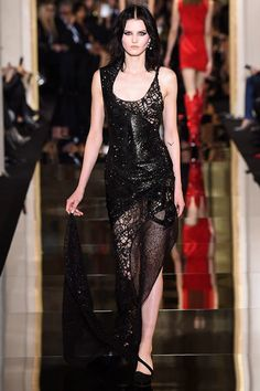 Atelier Versace Spring 2015 Couture Runway Photos  Smokin hot designer gown. I can dream.