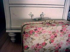 Pish, Posh, Professional: Daily Inspiration- Vintage Suitcases