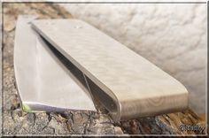knife making diy Cool Knives, Knives And Swords, Pocket Knives For Sale, Friction Folder, Knife Template, Neck Knife, Straight Razor, Tactical Knives, Custom Knives