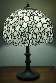 Stained Glass Crafts, Stained Glass Lamps, Stained Glass Designs, Stained Glass Windows, Tiffany Lamp Shade, Glass Artwork, Chandeliers, Art Nouveau, Home Decor
