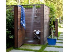 Frank Greenwald Architecture - outdoor showers are the best!!