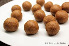 Recipe of Almond balls, a snack that is healthy, delicious, and easy to make. Almond Butter, Almond Flour, New Recipes, Cake Recipes, Snacks Saludables, Ground Almonds, Cake Decorating Techniques, Banana Bread Recipes, New Flavour