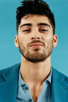 zayn malik - zayn malik ` zayn malik aesthetic ` zayn malik wallpaper ` zayn malik hairstyle ` zayn malik cute ` zayn malik style ` zayn malik tattoos ` zayn malik and gigi hadid Cabelo Zayn Malik, Zayn Malik Fotos, Zayn Malik Tattoos, Zayn Malik Hairstyle, Zayn Malik Photoshoot, Foto Zayn Malik, Eleanor Calder, Michael Clifford, The Vamps