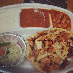 Chur chur naan at Sanjay Chur Chur Naan, Moolchand Japanese Street Food, Thai Street Food, Indian Street Food, Indian Food Recipes, Vegetarian Recipes, Healthy Recipes, Ethnic Recipes, Healthy Food, Ramzan Recipe