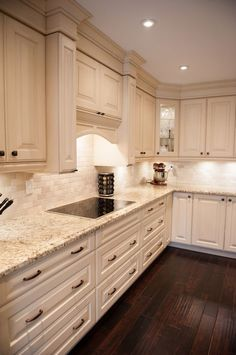what countertop color looks best with white cabinets? | white