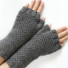 Ravelry: Honeycomb Mittens pattern by Sarah Cooke