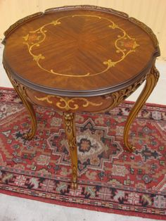 Incroyable Antique Furniture Italian Antique Inlaid Round Lamp Table Side Table Stand