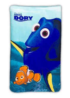 If your little ones love Nemo & Dory, then they'll love this soft fleece blanket! Perfect for bedtime, lounging on the sofa or on car journeys, this will keep them toasty and snug, any time, anywhere. Designed with a large all over print of Dory and Nemo on a bright blue background! This Disney's Finding Dory fleece blanket is super soft, tactile and cosy and would make a great gift from Santa. #findingdory #nemo #fish #kids #blanket