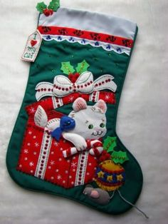 """Eugh It's so cute!  - Bucilla Felt White """"Kitty's Christmas""""  I know the ebay people are just reproducing the pattern and not hand stiching it all because it's a popular pattern and it will sell well but oh my goodness I want one for my kitties."""