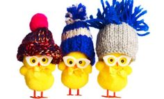 Easter hats are a traditional craft to make with kids for the school Easter hat parade. Discover these easy ideas from Kidspot. Happy Easter, Easter Bunny, Easter Eggs, Easter Bonnets, Easter Hat Parade, Easter Pictures, Diy Ostern, Easter Traditions, Trendy Wallpaper
