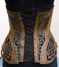 Where armor meets corset - part steampunk, part celtic - what's not to love? Costume Steampunk, Mode Steampunk, Style Steampunk, Steampunk Clothing, Steampunk Fashion, Gothic Steampunk, Renaissance Clothing, Leather Armor, Leather Corset
