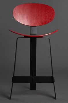 Papillon high stool de Karen Chekerdjian | Chaises de bar