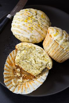 Here's breakfast at it's best - or at least close to it! I absolutely love poppy seed muffins, both lemon and almond poppy seed. I already have an almond p
