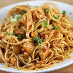 Looking for a new linguine recipe? Try our Asian Chicken Linguine! It's a recipe filled with traditional Asian flavor that you can make at home; ginger, garlic, and delicious hoisin sauce make this linguine recipe a one-way ticket to Asia! I Love Food, Good Food, Yummy Food, Delicious Recipes, Tasty, Fast Recipes, Healthy Food, Healthy Recipes, Pasta Dishes