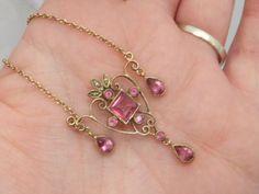 Victorian design Art Nouveau pink Topaz & seed Pearl gold pendant necklace