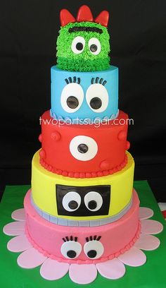 Yo Gabba Gabba Cake: I don't like fondant cakes, but I bet I could do this with buttercream! Pretty Cakes, Cute Cakes, Beautiful Cakes, Amazing Cakes, Fondant Cakes, Cupcake Cakes, Bolo Original, Yo Gabba Gabba, Fancy Cakes