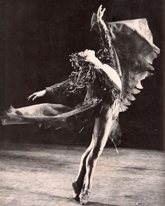 Sir Anthony Dowell Sir Anthony James Dowell, CBE (born 16 February is a retired British ballet dancer and former Artistic Director of The Royal. John Cranko, History Of Dance, Vintage Ballet, Vintage Dance, Dancing On My Own, Ballet Images, Dance Dreams, Male Ballet Dancers, Sir Anthony