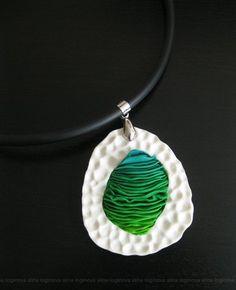 Polymer clay pendant by Lina Brusnika.   всем привет! получился у меня вот такой кулон. сперва сделала белую рамочку - очень уж нравится мне вот такая тестура. а потом стала придумывать что бы в эту…