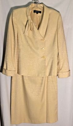 KASPER Goldish - Beige Print Skirt Suit - Jacket-Half Bow - Straight Skirt - 10 #Kasper #SkirtSuit #skirt #jacket #suit #beige #yellow #gold #10