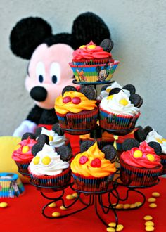 Show your #DisneySide with Mickey Mouse cupcakes
