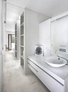 Bagno stretto e lungo, sanitari eleganti - Sanitari eleganti e chic nel vostro…