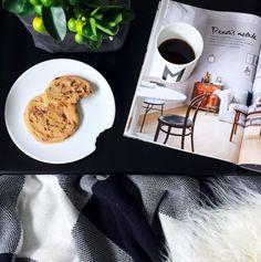 Instagram: @interiorbonanza + pause + flatlay + designletters + cookie + cake + cozy + hygge + kitchen + kjøkken Hygge, Cookies, Tableware, Cake, Kitchen, Instagram, Crack Crackers, Dinnerware, Cooking