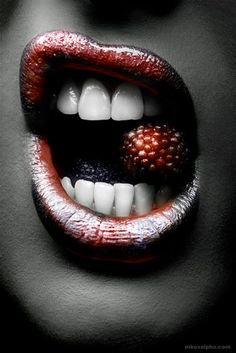 Яркие образы губ