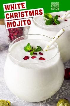 White Christmas Mojito White Christmas Mojito,RECIPES: Christmas This is a drink that looks as gorgeous as it tastes. It comes out pure white, and the pomegranate arils look like holly berries against snow. Cocktail Drinks, Fun Drinks, Yummy Drinks, Cocktail Recipes, Vodka Drinks, Martinis, Beverages, Party Drinks, Mixed Drinks
