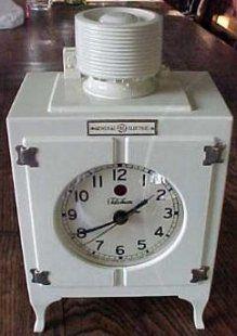 Telechron Stuff Page 2. GE (monitor-top) refrigerator clock.