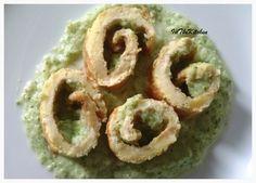 Rotoli di frittata su crema di broccoli