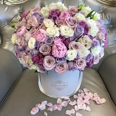 Los Angeles Flowers - Same Day Flower Delivery Amazing Flowers, Beautiful Flowers, Beautiful Life, Luxury Flowers, Same Day Flower Delivery, Floral Arrangements, Flower Arrangement, Flower Boxes, Fresh Flowers
