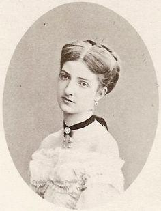 Princesse Margherita de Savoie (1851-1926) fille de Ferdinand de Savoie, duc de Gênes et d'Elisabeth de Saxe. Epouse du roi Humbert 1er