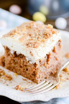 Carrot Cake Poke Cake — soaked in a homemade caramel sauce topped with a cream cheese whipped topping. This is an Easter show stopper! Cupcakes, Cupcake Cakes, Carrot Poke Cakes, Cake Recipes, Dessert Recipes, Homemade Caramel Sauce, Salty Cake, Easter Recipes, Easter Desserts