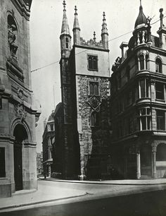 St Andrew Undershaft, St Mary Axe, City of London 1910-----great old photo without the hideous, now-standing gherkin behind it.