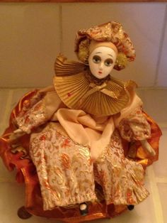 MUSICAL & SPINS!  CLOWN DOLL - PORCELAIN HEAD, HANDS & FEET | Collectibles, Decorative Collectibles, Figurines | eBay!