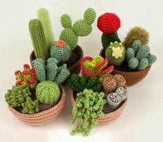 MENTŐÖTLET - kreáció, újrahasznosítás: Horgolt kaktuszok