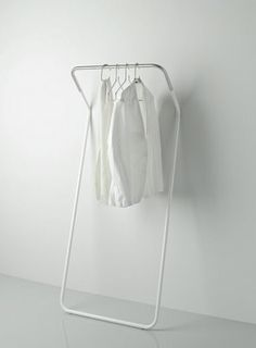 cascando | lean on coat stand: