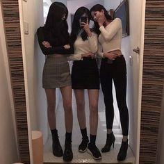 ᵎ↡ ulzzang squad ⸝⸝ uploaded by on We Heart It K Fashion, Ulzzang Fashion, Fashion Group, Ulzzang Girl, Asian Fashion, Fashion Outfits, Fashion Design, Ulzzang Korea, Matching Outfits Best Friend