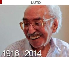 Corpo do poeta Manoel de Barros  é enterrado sob salva de palmas (Jonne Roriz/Estadão Conteúdo/Arquivo)