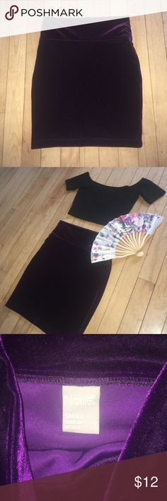 Deep Purple Velvet Skirt Deep purple shimmery velvet bodycon skirt by Nollie. Size S. worn once, in perfect condition. Nollie Skirts