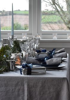 Grey Linen Tablecloths and Napkins add an elegance to teal accessories for a rich opulent table setting Black Tablecloth, Linen Tablecloth, Table Linens, Tablecloths, Christmas Table Linen, Christmas Table Settings, Teal Accessories, Linen Company, Pink Christmas