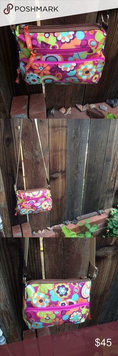 Adorable Lily Bloom bag Like new, crossbody or shoulder bag🌸fully adjustable strap Lily Bloom green living Bags