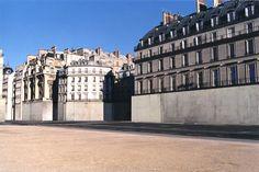 LE CONTAINER: Vider Paris, Nicolas Moulin dav.
