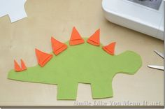 DIY plush dinosaur from Smile Like You Mean It. Great tutorial!