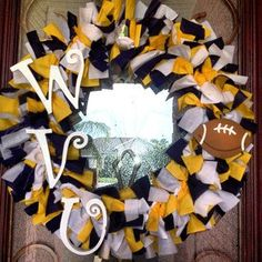 West Virginia University Football Rag Wreath  This would be really easy to make, if only I had the time.