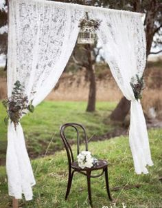Easy arch idea? Or even part of a photo booth for a vintage wedding.