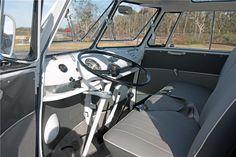 1967 VOLKSWAGEN 21-WINDOW DELUXE BUS - Interior - 202091