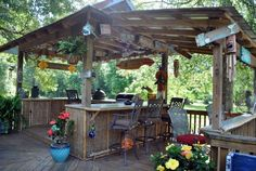 Awesome Outdoor Bar Setup for Friends Gathering. Being confused decorating your porch or backyard? Surely you want outdoor bar setup in the terrace or backyard of the house so it can be a fun gatheri. Outdoor Tiki Bar, Outdoor Kitchen Bars, Rustic Outdoor Bar, Rustic Patio, Backyard Bar, Patio Bar, Backyard Ideas, Garden Ideas, Casa Patio