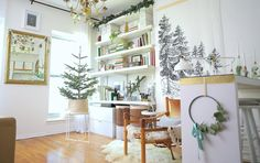 12 отметок «Нравится», 1 комментариев — Nest Setters (@nestsetters) в Instagram: «Clever Christmas ideas for decorating any home, big or small! Featuring a sparkling garland hanging…»