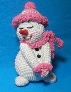 Amigurumi frostige Träumerin häkeln-DIY-Deko Crochet this sweet frosty dreamer as an amigurumi // winter decoration or simply as an eye-catcher and to cuddle yourself now. Crochet Diy, Crochet Crafts, Crochet Dolls, Crochet Projects, Baby Knitting Patterns, Amigurumi Patterns, Amigurumi Doll, Crochet Patterns, Crochet Mignon